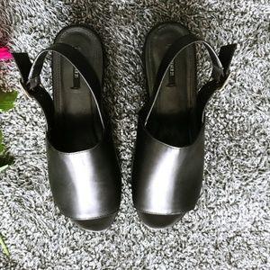 Chunky Platform Sandal sz 10